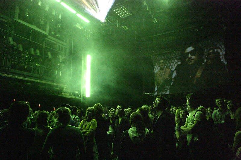 Das Schwarze Loch (2011) </p> Bühne